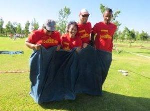 Boeresport team building sack race
